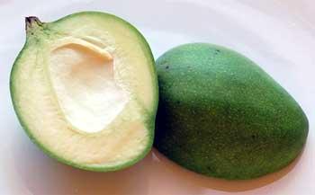 कच्चे व हरे आमों के स्वास्थ्य लाभ!